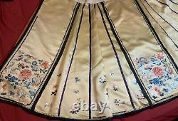 ANTIQUE LATE 19th c QIING DYNASTY CHINESE EMBROIDERED SILK SKIRT EMBROIDERY #3