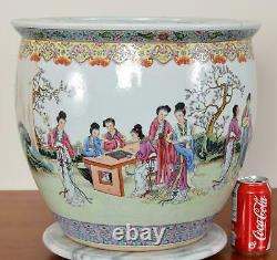 Fine Republic or Late Qing Chinese Porcelain Jardiniere Planter or Fish Bowl