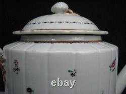 Late 18th Century Chinese Export Porcelain Twined & Ribbed Teapot / Married Lid