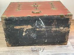 Couple Dowry Mariage Chinois Qing Tardif Laiton En Laiton Red Laquer Chest Cabinets